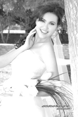 Dra. Martha Leticia Ávalos Martínez el día que unió su vida a la del  Ing. José Guadalupe Ibarra Vargas.  <p> <i>Aldaba & Diane Fotografía</i>