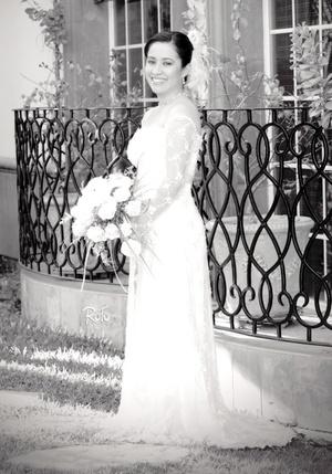 Srita. Alejandra Huerta Juárez el día de su boda con el Sr. Martín Carlos Lara Terrazas.  <p> <i>Rofo Fotografía</i>