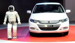 En la 79 edición del Salón del Automóvil se presentarán más de 120 autos novedosos.