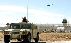 Una riña en el penal de la fronteriza Ciudad Juárez dejó al menos 20 presos muertos y siete heridos, informaron autoridades estatales.
