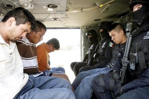 La movilización inició alrededor de las 08:00 horas con la participación de unos 50 elementos de la Policía Federal Preventiva (PFP).