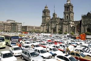 La Alianza Nacional de Transporte Multimodal pidió al gobierno federal bajar a 6.10 pesos el precio del litro de diesel, ya que actualmente es de 7.68 pesos.