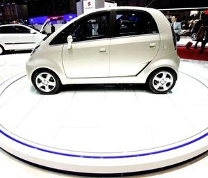 El fabricante indio Tata Motors anunció que el 'coche más barato del mundo' estará en circulación a partir de julio próximo.