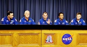 La NASA aún tiene contempladas ocho misiones con transbordadores, antes de que los retire de servicio en septiembre de 2010.