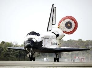 La adición, de 300 millones de dólares, permitió al puesto de avanzada en la órbita terrestre contar con toda la electricidad posible.