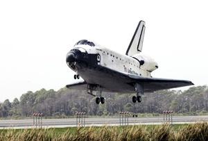 La misión destacó por la instalación exitosa del último par de paneles solares de la estación espacial.