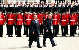 La Reina ofrecerá un banquete de Estado al presidente, en el que ambos pronunciarán sendos discursos.