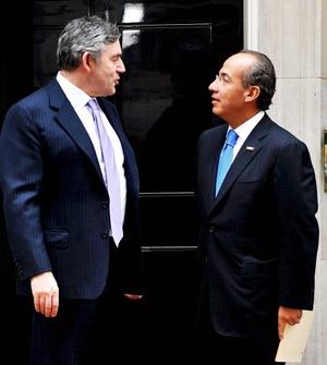 En rueda de prensa conjunta con el primer ministro británico Gordon Brown, Calderón destacó que se deben dinamizar los intercambios y aprovechar las oportunidades del Tratado de Libre Comercio entre la Unión Europea y México.