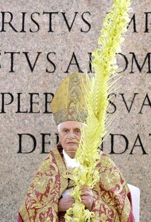 El Domingo de Ramos conmemora la entrada triunfal de Jesucristo a Jerusalén, donde fue ovacionado por feligreses que agitaban ramas de palma y de olivo en señal de júbilo y paz.