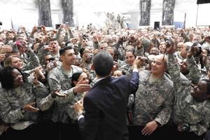 Obama se reunió con el mandatario iraquí en la residencia del comandante en jefe de las tropas estadounidenses en Irak, general Ray Odierno, en la base Camp Victory en las afueras de Bagdad.