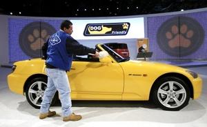 Chrysler, llega al Salón de Nueva York con dos prototipos eléctricos, el Chrysler 200C EV y el Dodge Circuit EV.