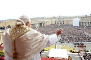 El Papa hizo una mención especial a las víctimas del sismo que azotó al centro de Italia y dijo elevar sus oraciones para el eterno descanso de quienes perdieron la vida y la pronta recuperación de los heridos.