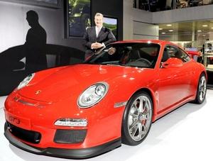 Porsche SE, también conocida como Porsche AG o Porsche, es una empresa automovilística alemana que fabrica automóviles deportivos, fundada en Stuttgart en 1931 por Ferdinand Porsche y su hijo Ferry Porsche.