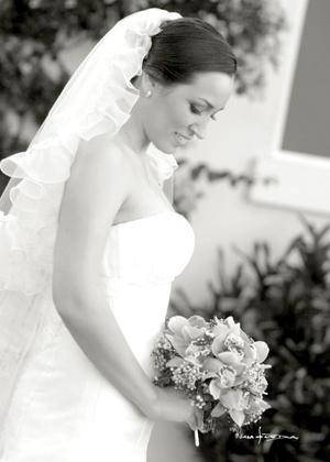 Srita. Chelito Macías González, el día que contrajo matrimonio con el Sr. Carlos Uriel Noyola Cosío.  Maqueda Fotografía