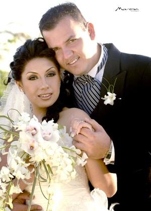 Ing. Gerardo Ernesto Iglesias Padilla y Srita. Madahi Ayala López contrajeron matrimonio en la iglesia de San Pedro el sábado 18 de abril de 2009.  Estudio Morán