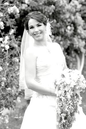 Srita. Mariana López V., el día de su boda con el señor Bernabé Iruzubieta R.  Maqueda Fotografía