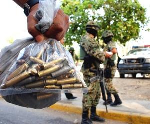 El militar confirmó que en total murieron 13 sicarios, entre ellos el citado 'Comandante Magaña' así como el capitán segundo, Germán Parra Salgado y el oficial de trasmisiones, Juan Loaeza Lanche, estos últimos del Ejército Mexicano.