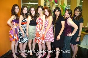13062009 Futura contrayente. Sara acompañada de Daniela, Gaby, Ana, Vero, Isa, Alma y Lucero.