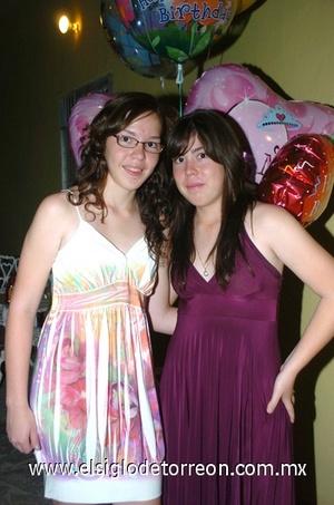 15062009 Alicia y Mónica Galindo Santillán fueron festejadas en su cumpleaños.