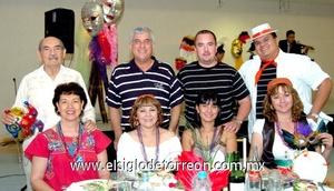 16062009 Esperanza y Tavo Olvera, Laura y Rafael Díaz, Lizeth y Carlos Leal, Alma y Ricardo Soriano.