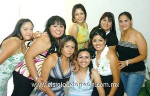 20062009 Rosa, Kristy, Eva, Bere, Lupita, Alejandra y Karo acompañaron a Paulina Esmeralda en su fiesta de despedida de soltera.
