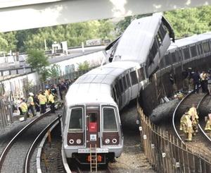 Al menos cuatro personas murieron y unas 70 resultaron heridas al chocar dos trenes de la red del metro de Washington.
