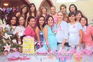 14062009 Grupo de amigas y primas que acompañaron a Lupita.