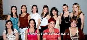 19062009 Marisa, Elvira, Julia, Velina, Karla, Nidia, Any, María Elena, Mariana, Priscilla y Sophia, socias del Club de Jardinería Agave Azul.