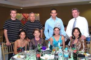 27062009 Óscar Sánchez, Pilar de Sánchez, Óscar Sánchez Jr., Mari Carmen de la Garza, Jesús Catalán, Lety de Catalán, Alejandra Sánchez y Guillermo Flores.