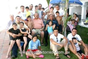28062009 Divertidos. Reunión de las familias: Portillo López, López Quiñones, López Moreno, Portillo González, López González, López Jiménez, Jácquez Barajas, Salazar Jácquez, Jorge Jácquez y Ávila Pizarro.