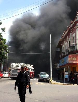 Calderón aseguró que a pesar del asedio del crimen organizado, el gobierno mantendrá su ofensiva.
