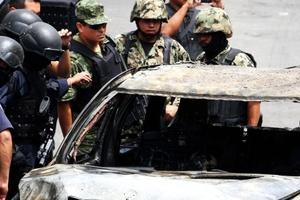 Sabemos que estas reacciones desesperadas y violentas responden a los severos golpes que ha dado el gobierno a la delincuencia organizada, afirmó Calderón sobre los ataques que el fin de semana dejaron cinco policías y dos soldados muertos, tras la detención de uno de los principales operadores del cártel de 'La Familia en Michoacán'.
