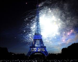 La Torre Eiffel sirvió como presentación a la Exposición Universal de París de 1889, la cual acogió a más de 236 millones de visitantes desde su inauguración.