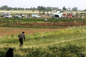 En el lugar del siniestro, la imagen era desoladora, con cientos de trozos de fuselaje y cuerpos esparcidos por el campo, algunos a más de 500 metros de distancia del fuselaje .
