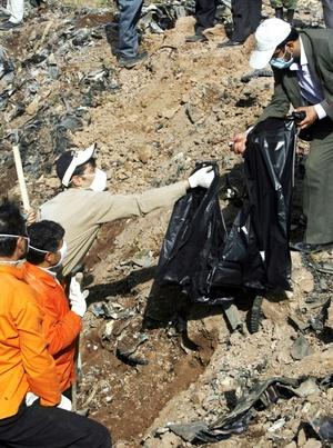 Según el vicegobernador de la provincia iraní de Qazvin, Sirous Saberi, el piloto informó a la torre de control de un problema técnico y solicitó permiso para un aterrizaje de emergencia.