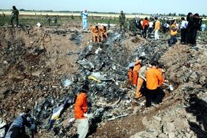 Un total de 168 personas murieron al estrellarse un avión de pasajeros en la provincia de Qazvin, 200 kilómetros la noroeste de Teherán, en una de las peores tragedias aéreas de la historia de Irán.