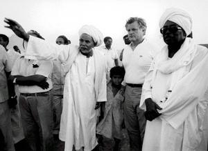 Kennedy abrazó las causas de los pobres y de los que están en desventaja como los inmigrantes, durante su carrera de 46 años como legislador.