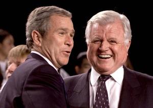 Kennedy también influyó en la política exterior y fue uno de los más acérrimos opositores a la guerra en Irak bajo el Gobierno de George W. Bush.