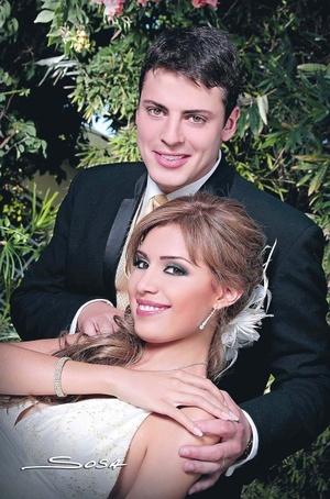 CP. Perla Patricia LujánMorales e Ing. Romain Didier contrajeron matrimonio el pasado 27 de junio de 2009.- Studio Sosa