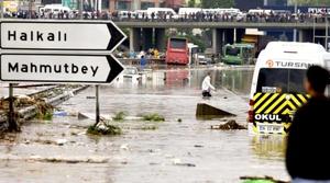 Hospitales y escuelas fueron cerrados ante la crecida de las aguas.