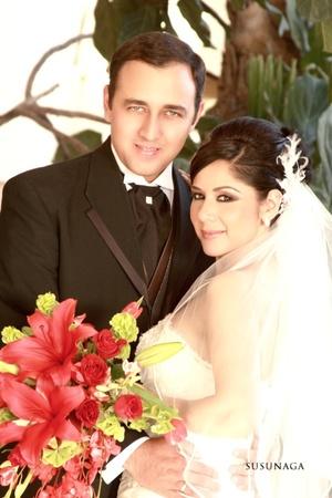 Srita. Heidi Loami Moreno Rodríguez y Sr. Rogelio Ollervides Monterde, contrajeron nupcias en la parroquia Los Ángeles, el pasado 25 de julio de 2009, a las 18:00 horas.  <p> <i>Susunaga Fotografía</i>