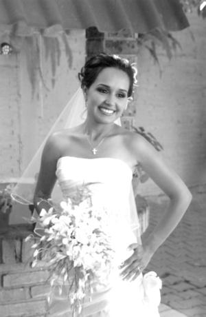 CP. Mayra Cecilia Cruz Ramírez, captada el día de su boda con el Ing. Federico Esau Vega Guerrero.