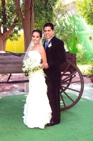 CP. Mayra Cecilia Cruz Ramírez e Ing. Federico Esau Vega Guerrero, unieron sus vidas ante Dios, el 25 de julio de 2009, en la iglesia de San José, en punto de las 19:00 horas.