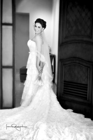 Lic. Monserrath Andrade Ledesma y Dr. Jaime Osvaldo Núñez Cruz, contrajeron matrimonio el 15 de agosto de 2009. <p> <i>studio Laura Grageda  </i>