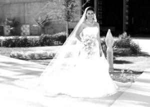 Srita. Beatriz Alejandra García Loo, el día de su boda con el Sr. José Humberto Cantú López.
