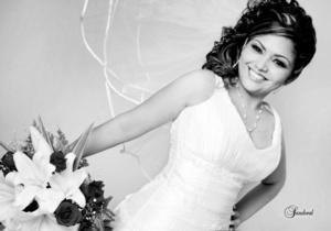 Srita. Nancy Yazmín Martínez Nevárez, en una fotografía de estudio con motivo de su enlace matrimonial con el Sr. Jacob David Rodríguez Orozco.  <p> <i>Sandoval Fotografía </i>