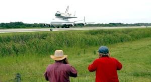 Un tiempo tormentoso le impidió al Discovery regresar a su base hace una semana y media.