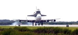 El 11 de septiembre el transbordador retornó a la Tierra pero, debido a las condiciones meteorológicas en el sur de Florida, su aterrizaje se efectuó en la Base Edwards de la Fuerza Aérea en California.