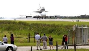 La misión del transbordador en la Estación Espacial Internacional duró 13 días, 20 horas, 53 minutos y 45 segundos.