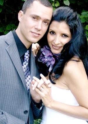 Lic. Abril América C. García Ordaz y Lic. William Vincent Reiss en la ciudad de Nueva York, NY.  Celebraron su matrimonio civil el día 26 de septiembre de 2009.